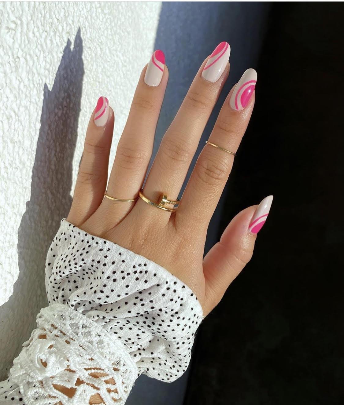 chic manicure